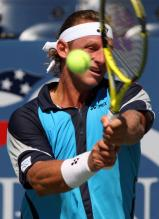 david nalbandian two handed backhand at contact.jpg