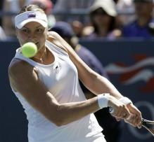 nadia petrova two handed backhand before contact.jpg
