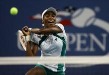 venus williams two handed backhand follow-through.jpg