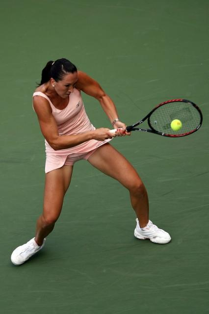 jelena jankovic two handed backhand at contact 2.jpg