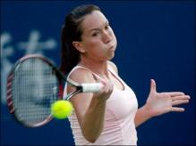 jelena jankovic forehand at contact for chest-high ball.jpg