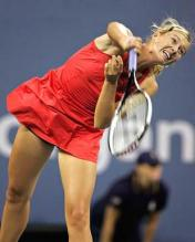 Maria Sharapova serves at the US Open 2007.jpg