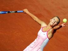 Maria Sharapova serving at French Open.jpg