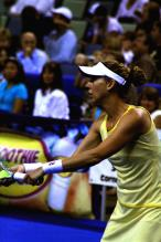 Monica Seles gets ready to serve.jpg