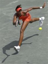 Venus Williams with great tennis footwork.jpg