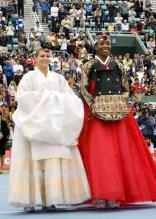 Venus Williams and Maria Kirilenko in Hanbok.jpg