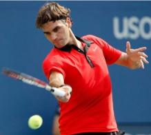 Roger Federer hits a spinning forehand at the US Open 2009.JPG