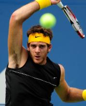 Del Potro reverse forehand follow through.JPG