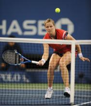 Kim Clijsters hits a forehand volley.JPG
