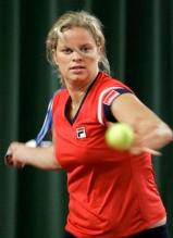 Kim Clijsters rotates on a forehand.JPG