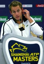 Andy Roddick answers questions at the 2009 Shanghai Masters.JPG