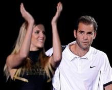 Pete Sampras looks at a cheerleader.JPG