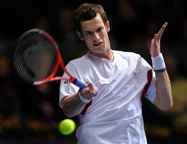 Andy Murray hits a sweeping forehand in Spain.JPG