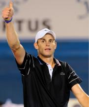 Andy Roddick gives the thumbs up after winning his 4th round match at the Australian Open 2010.JPG