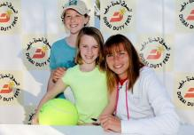 Vera Zvonareva and two young fans.JPG
