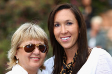 Jelena Jankovic with her mother.PNG