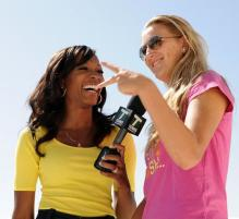 Victoria Azarenka talks to Cari Champion.JPG