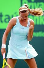 Victoria Azarenka celebrates with a fist pump at Key Biscayne 2010.JPG