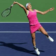 Vera Zvonareva looks to hit an overhead.JPG