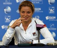 Kim Clijsters speak in a post game media conference at the 2010 AEGON international.JPG