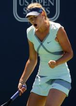 Maria Sharapova says come on at Stanford 2010.JPG
