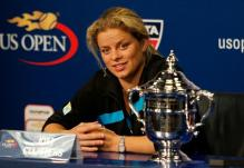 Kim Clijsters in her post match interview after winning the 2010 US Open.JPG