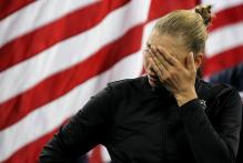 Vera Zvonareva sheds tears during the 2010 US Open championship ceremony.JPG