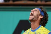 Kuerten reacts during his final French Open match.jpg