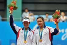 Chan Yung Jan and Chauang Chia Jung celebrate their gold medal in 2010 Asian Games for doubles.JPG