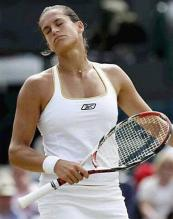 Amelie Mauresmo reacts.jpg