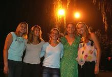 Mauresmo takes a group picture with Nadia Petrova and Svetlana Kuznetsova and Lindsay Davenport and Nicole Vaidisova.jpg