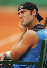 Robby Ginepri looks on during the French Open 2008.jpg