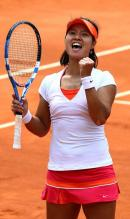 Li Na goes YEAH at the 2011 French Open.JPG