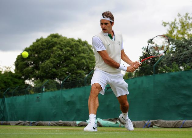 Roger Federer Practices A 2 Handed Backhand Before Wimbledon 2011JPG