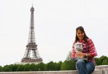 Ana Ivanovic poses with her French Open 2008 trophy in front of the Eiffel tower shot 2.jpg