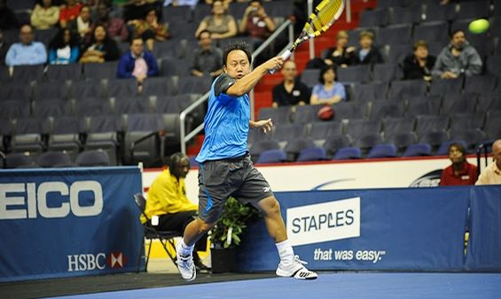 Michael Chang rips a forehand at the HSBC Champions Event 2011.JPG