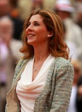 Monica Seles stands and looks on at the 2012 French Open.JPG