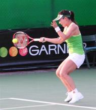 Zheng Jie forehand at contact.jpg