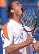 Marat Safin roars in celebration.jpg