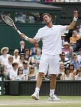 Marat Safin is frustrated.jpg