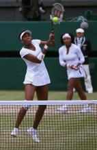 Venus Williams slams a backhand volley.jpg