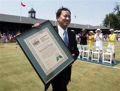 Michale Chang walks with his Tennis of Fame Plaque.jpg