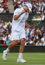 Roddick clenches his fist celebrating a point.jpg
