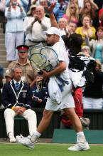 Roddick leaves the court after losing.jpg