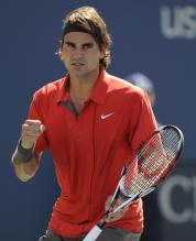 Roger Federer celebrates a victory at the US Open 2008.jpg