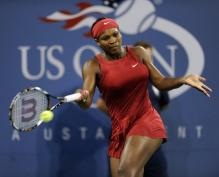 Serena Williams hits a forehand.jpg