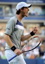 Andy Murray celebrates a point.jpg