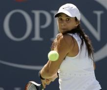 marion bartoli two-handed forehand before contact 2.jpg