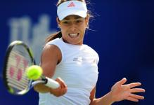 Ana Ivanovic forehand at contact.jpg