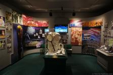 Wimbledon & US Open exhibits at International Tennis Hall of Fame.jpg
